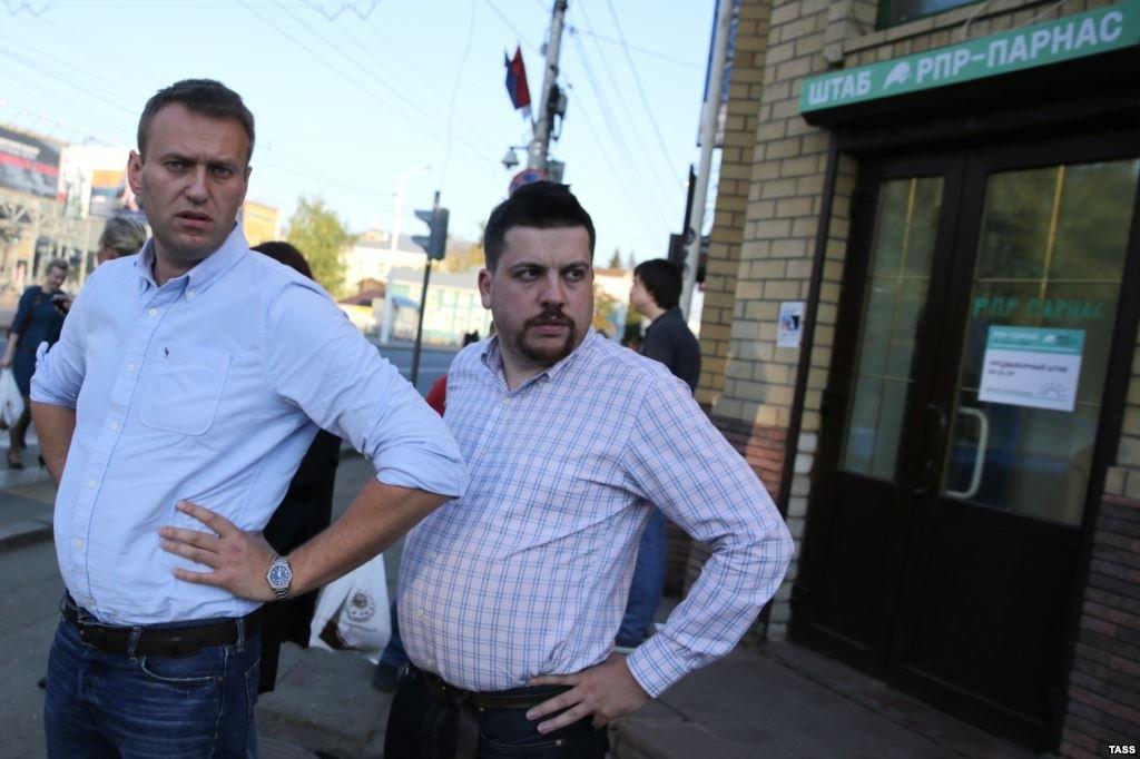 Навальный окончательно сдулся, западные кураторы проталкивают Леню Волкова