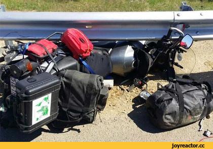 Путешественник из Австралии, который намеревался пересечь Россию на мотоцикле, погиб в аварии с легковым автомобилем на выезде из Благовещенска.