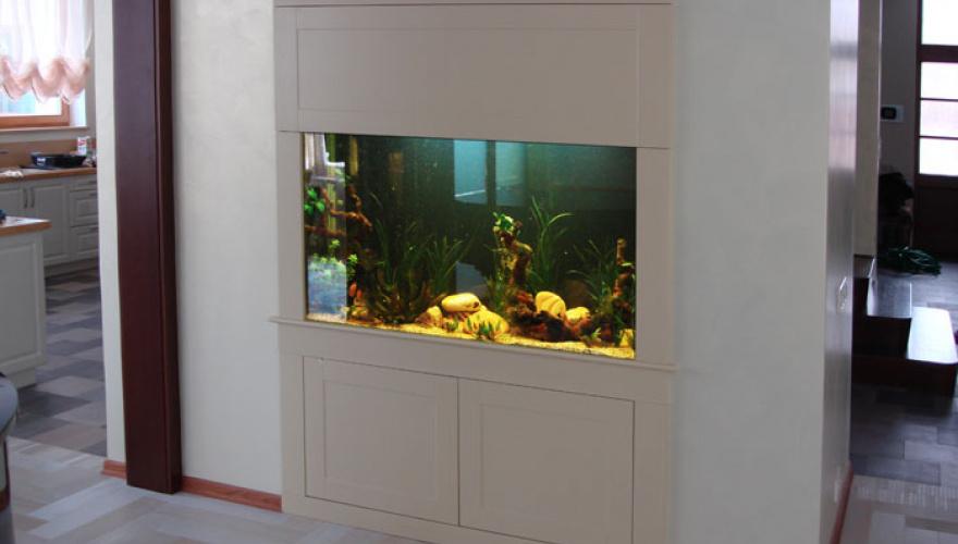 Как вписать аквариум в интерьер: 10 прекрасных идей
