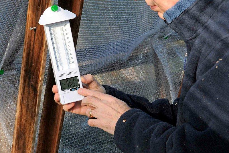 Как сохранить тепло в теплице зимой и не разориться на отоплении