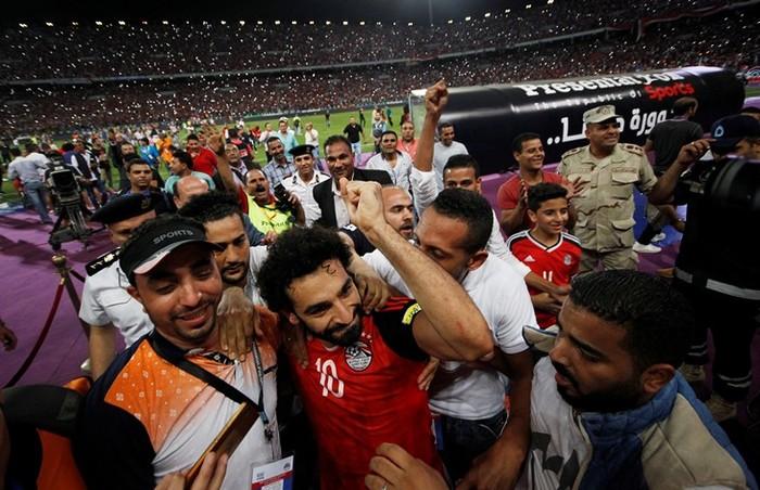 Мохаммед Салах – проÑто лучший. Ð' Египте он Ñтроит школы и помогает Ñкономике Мохаммед Салах, футбол, Египет, длиннопоÑÑ'