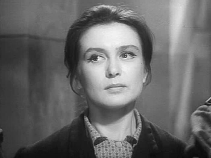 Изольда Извицкая в фильме *Вызываем огонь на себя*, 1964   Фото: kino-teatr.ru
