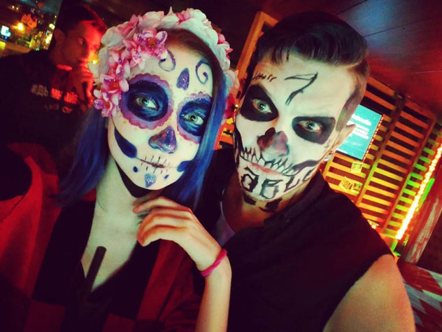 Как отмечают Хеллоуин в России: пятнадцать оригинальных образов