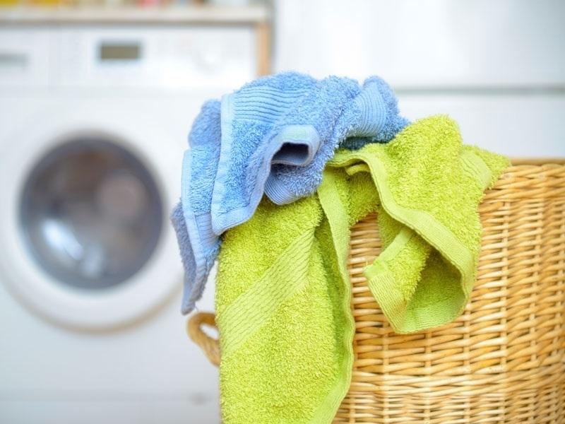 Как отстирать кухонные полотенца в микроволновке