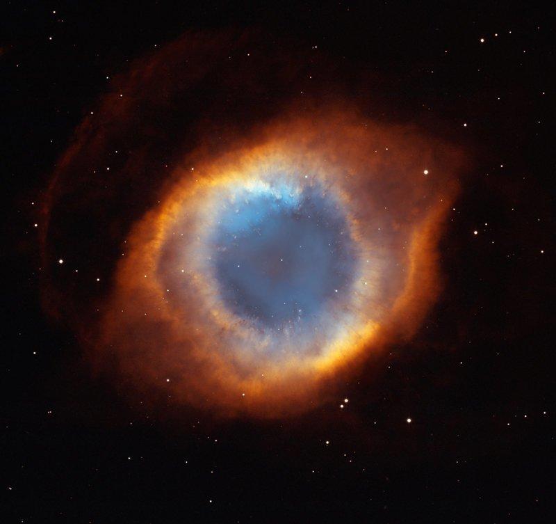 Великолепная планетарная туманность «Улитка» — одна из наиболее ярких и красивых. вселенная, конец Солнца, космос