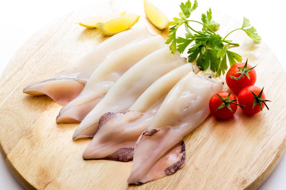 Как варить кальмары для салатов