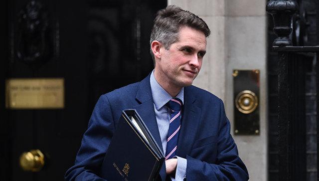 Легкий на подхват: министр обороны Британии объявил России свою войну