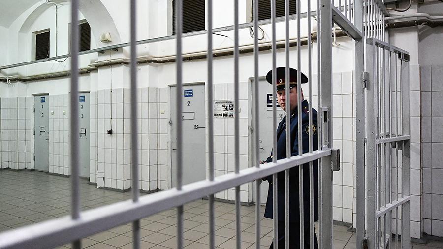 """""""Надо открывать больше"""": В тюрьмах для силовиков закончились места"""