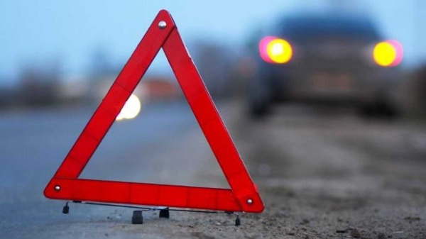 ВПетербурге иномарка столкнулась смаршруткой: погибли дети