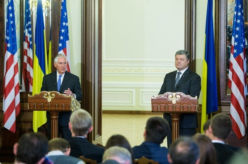 Ростислав Ищенко: Плохие новости для Порошенко. Зачем Рекс Тиллерсон приехал на Украину