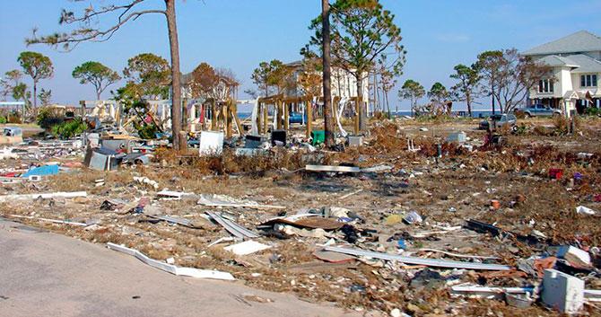 5 самых разрушительных ураганов в США за последние 10 лет