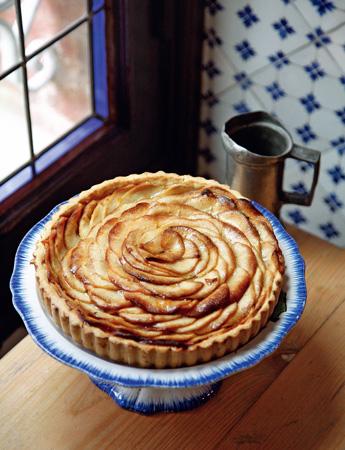 Яблочный пирог: простой и красивый. Рецепт с фото