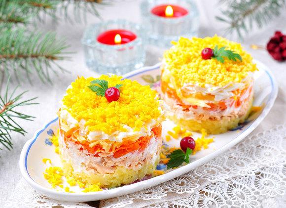 Свежий взгляд на классику: готовим любимые новогодние салаты