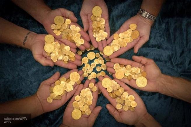 Золотые монеты в копилку РФ: в ЗВР страны отмечается странная динамика