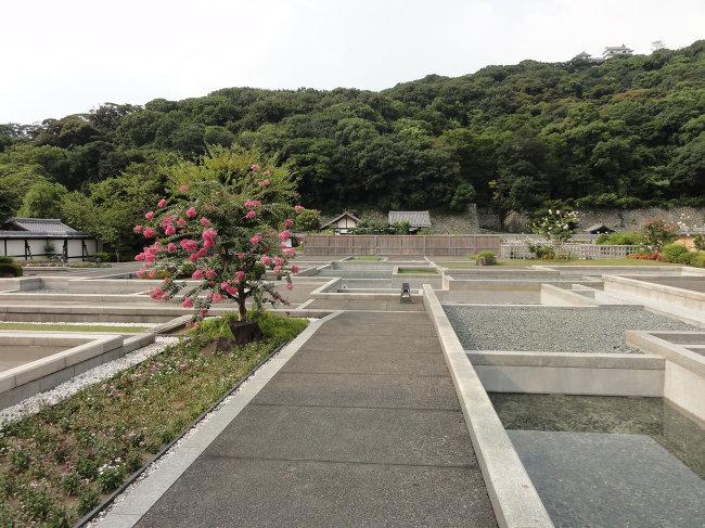 Нижний ярус замка Мацуяма, сто лет назад здесь располагалась больница, где лечились русские пленные.