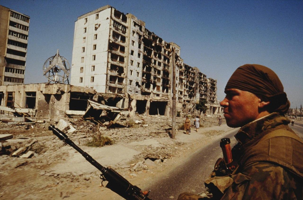 Первая чеченская война глазами фотокорреспондента французского издания Le Figaro Эрика Буве. Снимки датируются 1995 годом