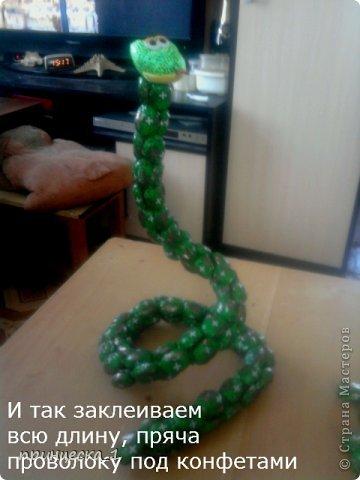 Мастер-класс Новый год Моделирование конструирование МК по конфетной кобре фото 8