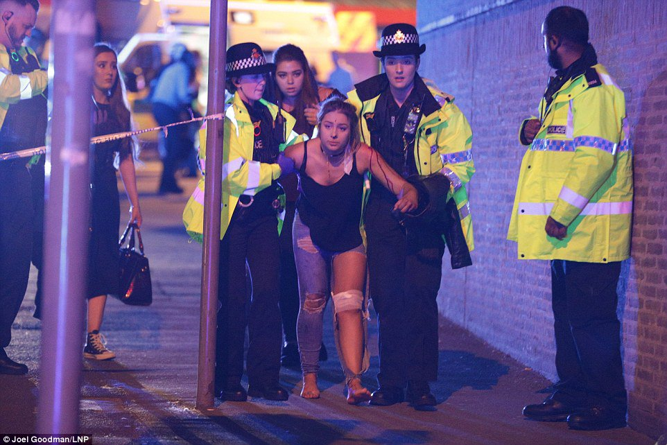 При взрыве на концерте в Манчестере погибли 20 человек