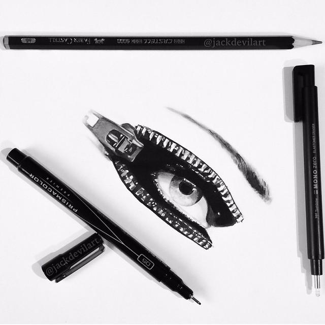 Реалистичные рисунки шариковой ручкой
