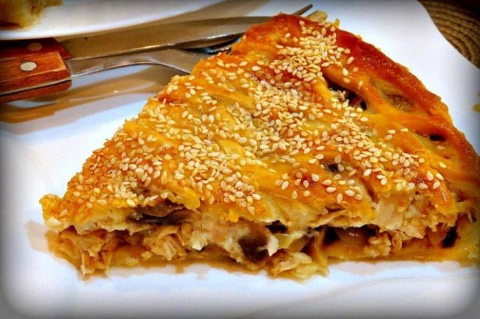 Пирог с курицей и грибами — ослепительный ужин готов!