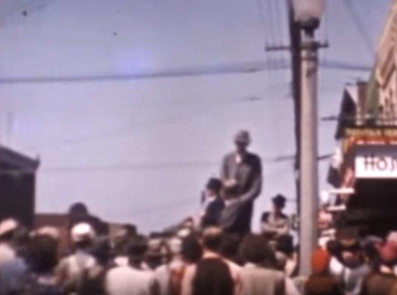 Уодлоу побил мировой рекорд Гиннесса по росту и получил звание самого высокого человека в мире в 1937 году, когда его рост достиг 254 см акромегалия, великан, опухоль, рекорд, рекорд гиннесса, рекордсмен Гинесса, самый высокий, самый высокий человек