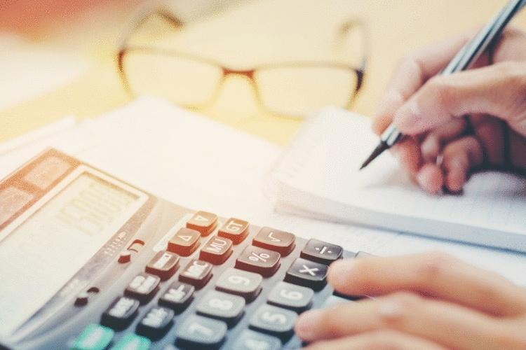 7 причин, почему ваши деньги утекают сквозь пальцы, и как это остановить