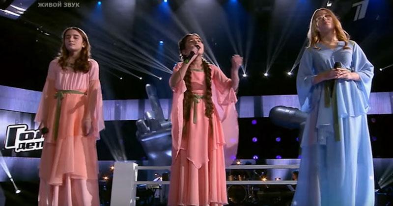 Ангелы на сцене! Эти девочки поют так красиво, что у вас побегут мурашки по коже
