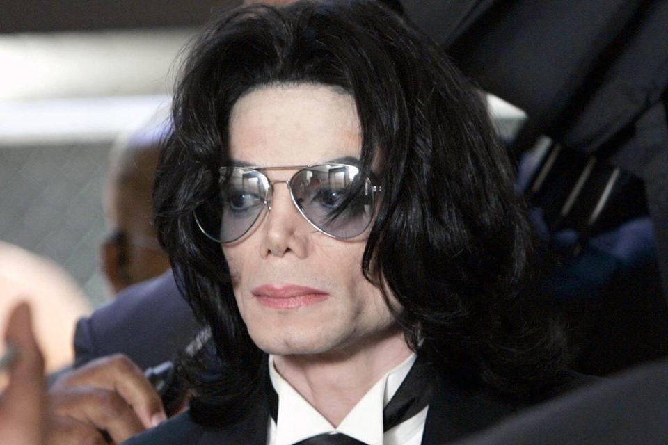 Ради голоса — отец Майкла Джексона кастрировал сына