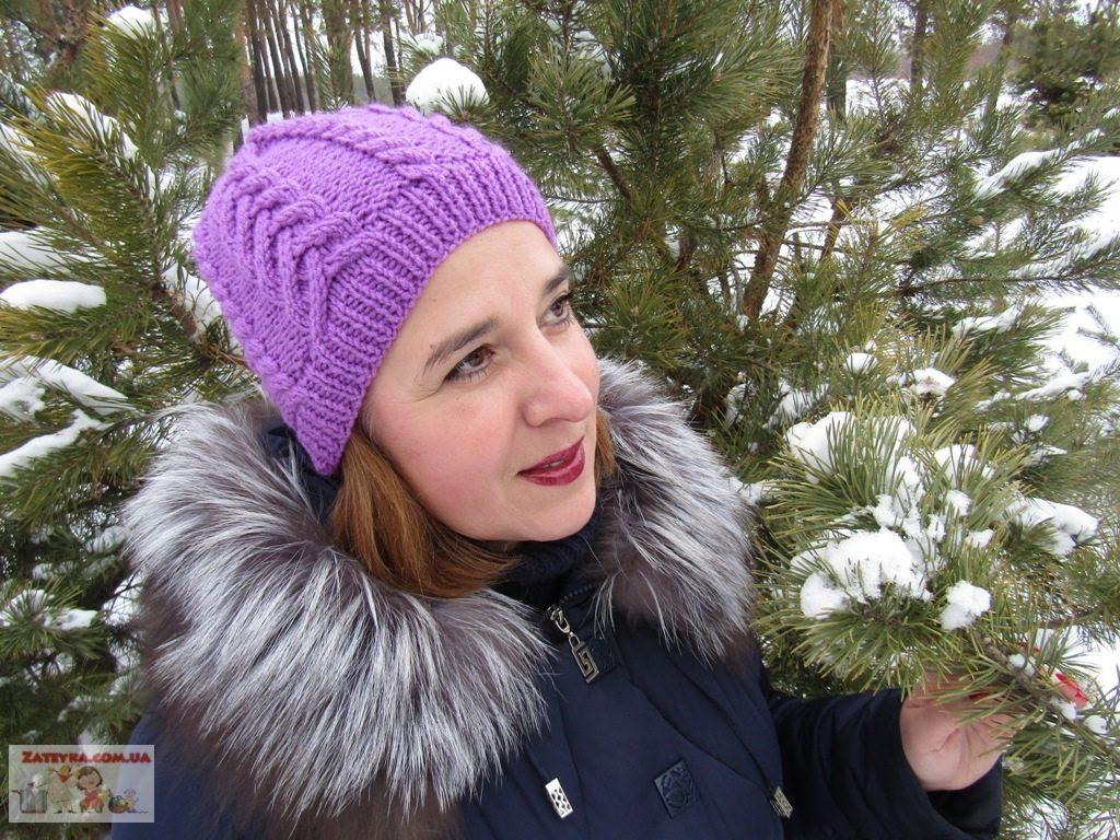Зимняя женская шапка объёмными косами