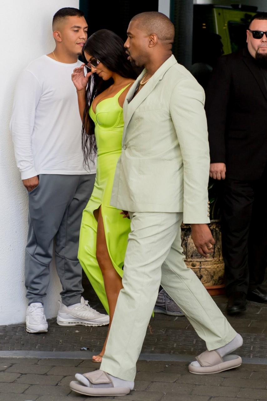 Супруга Ким Кардашьян высмеяли за обувь маленького размера. Вот что он сделал в ответ!