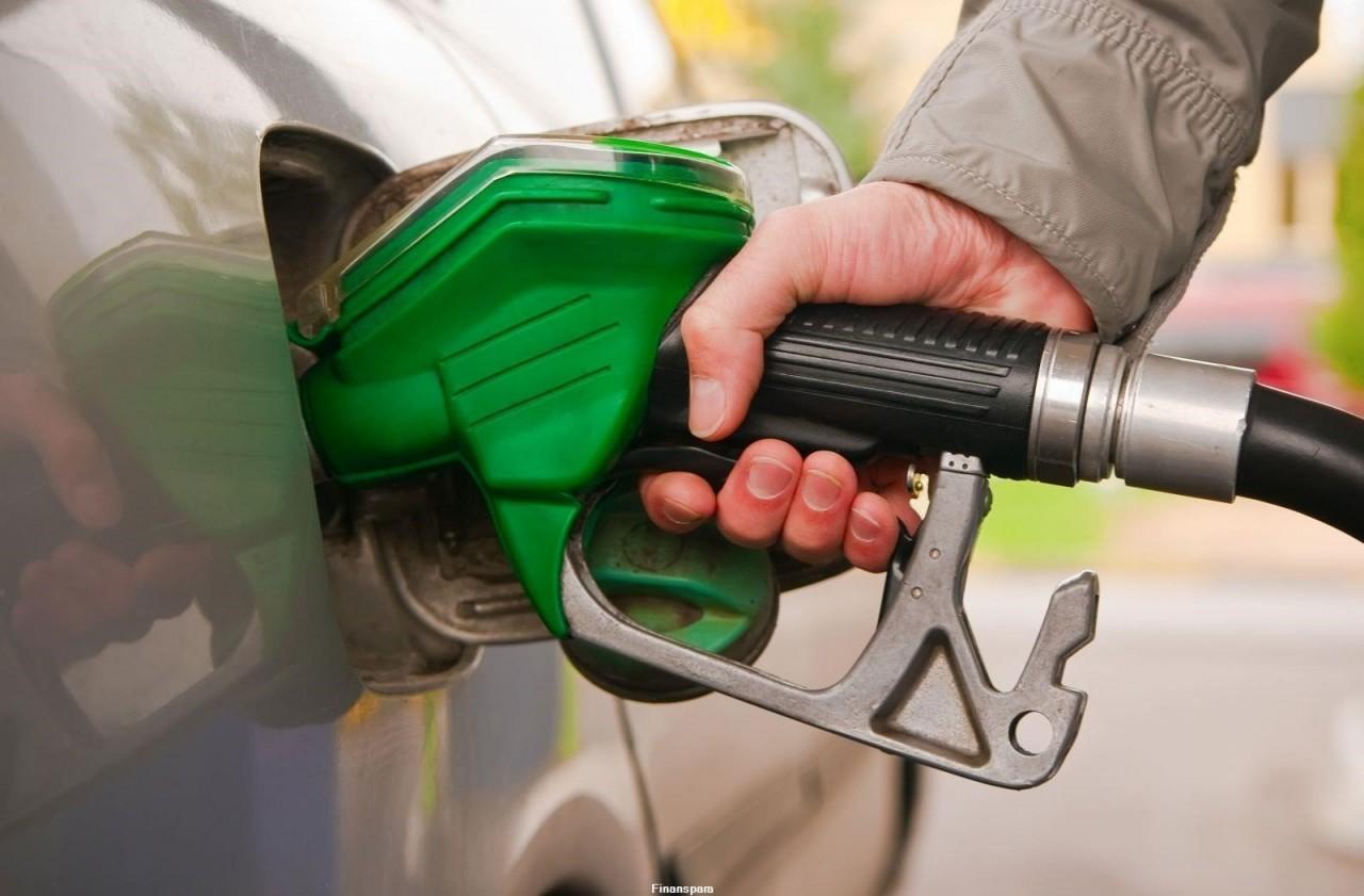 На АЗС хотят оставить только три вида топлива