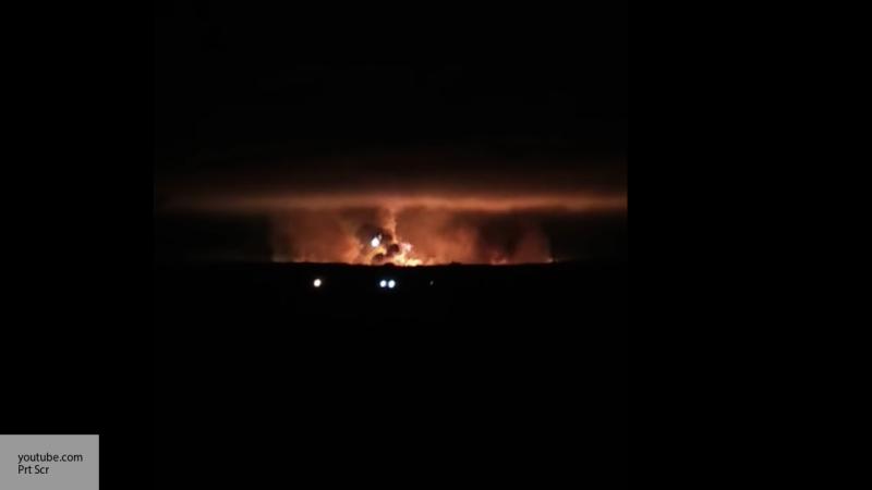 При пожаре на складе боеприп…