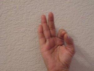 Это работает! Подержите руку в этой позиции и Вы не поверите, что последует за этим.