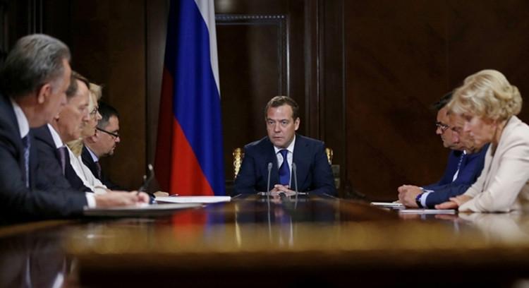 Дмитрий Медведев запретил кр…