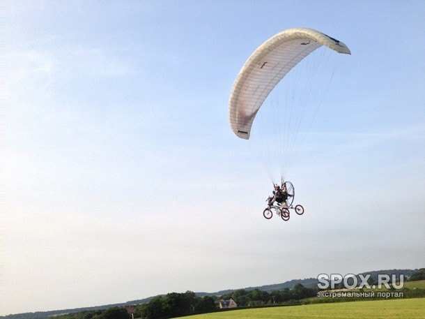 Первый летающий велосипед поступил в продажу в Великобритании