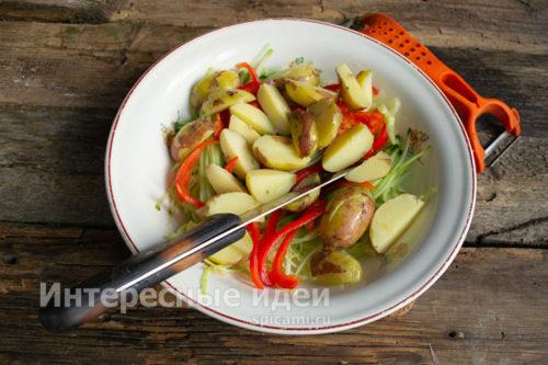 картофель крупно нарезать
