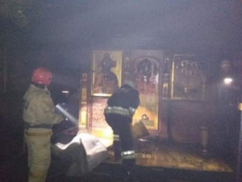 Под Екатеринбургом подожгли храм святых Царственных Страстотерпцев