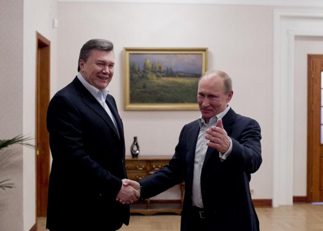 Почему Обама, Меркель и Путин не спешат убрать Януковича