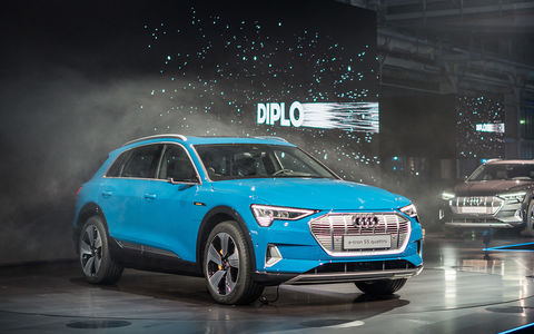 Audi e-tron quattro: два электромотора и камеры вместо зеркал