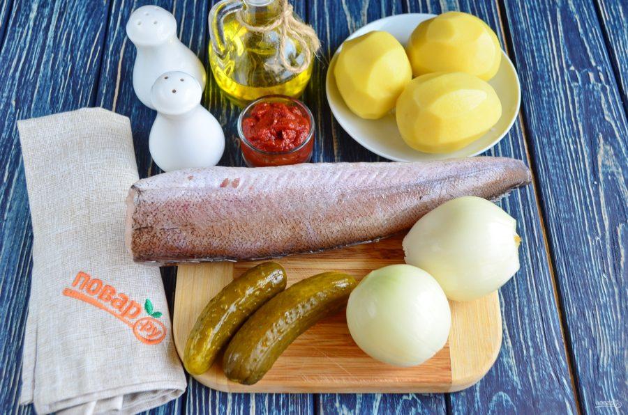 Горшочки с рыбой и солеными огурцами