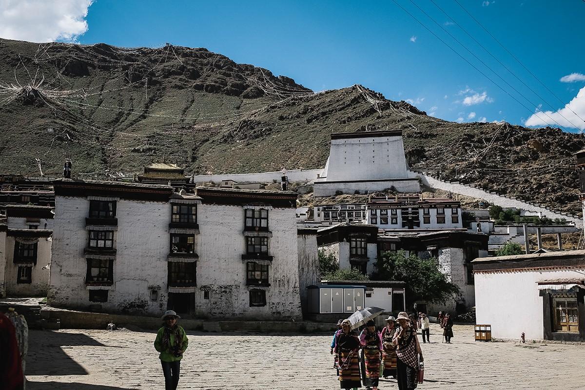 shigadze27 В поисках волшебства: Шигадзе, резиденция Панчен ламы и китайский рынок