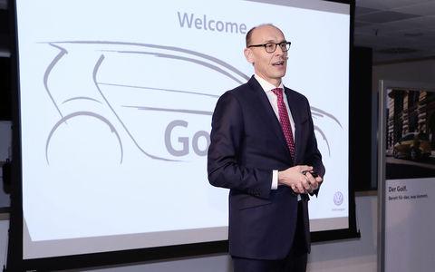 Volkswagen назвал дату производства следующего поколения Golf