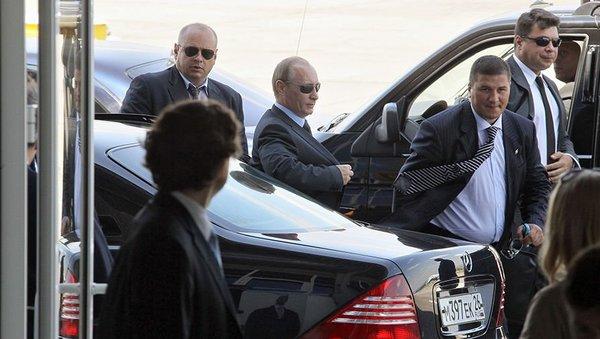 Почему Путин назначает своих…