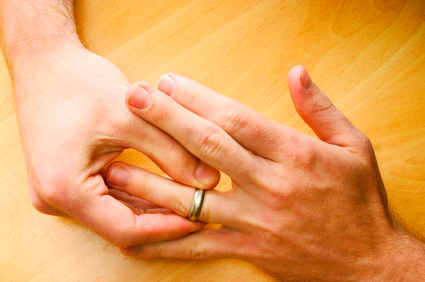 Если Вы не можете снять перстень с отёкшего пальца (из советов старых врачей)