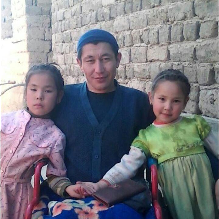 Жена бросила мужа-инвалида с тремя детьми и ушла…Но он не упал духом, а сделал невероятное!