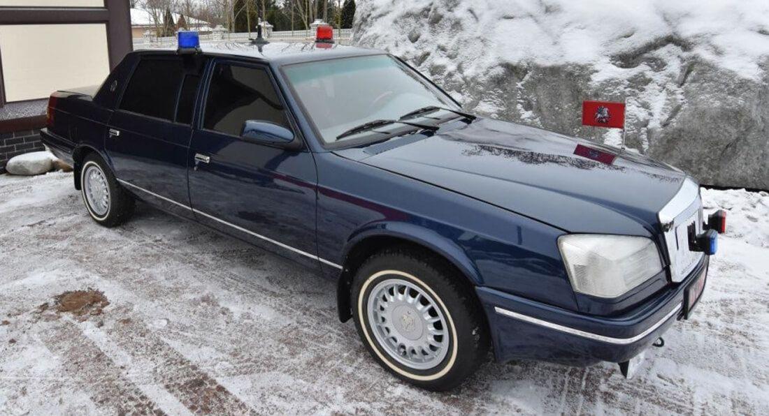 Старый Москвич продают по цене нового Mercedes S-Class