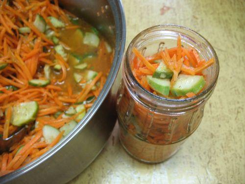 Морковь с огурцами по-корейски на зиму