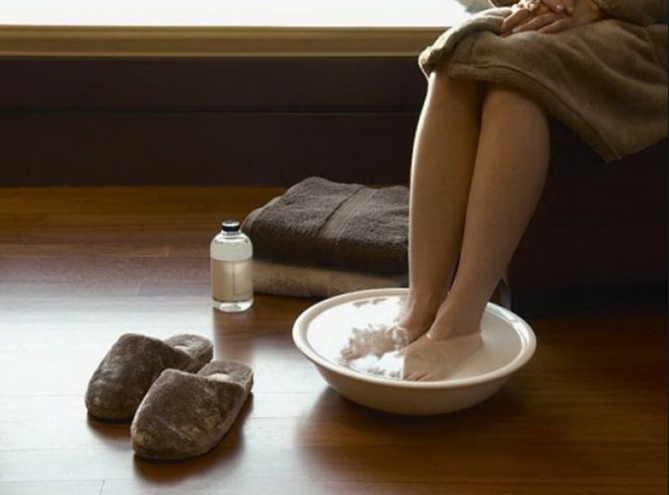 Контрастные ванны для рук и ног: лечим сосуды и гипертонию просто и без таблеток! Результат удивит!