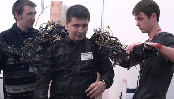 Первый российский экзоскелет испытают на инвалидах-добровольцах