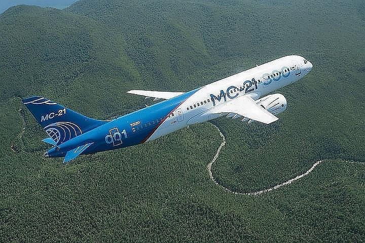 Пилоты о первом международном полете российского самолета МС-21: «В голосе диспетчеров чувствовалась гордость»